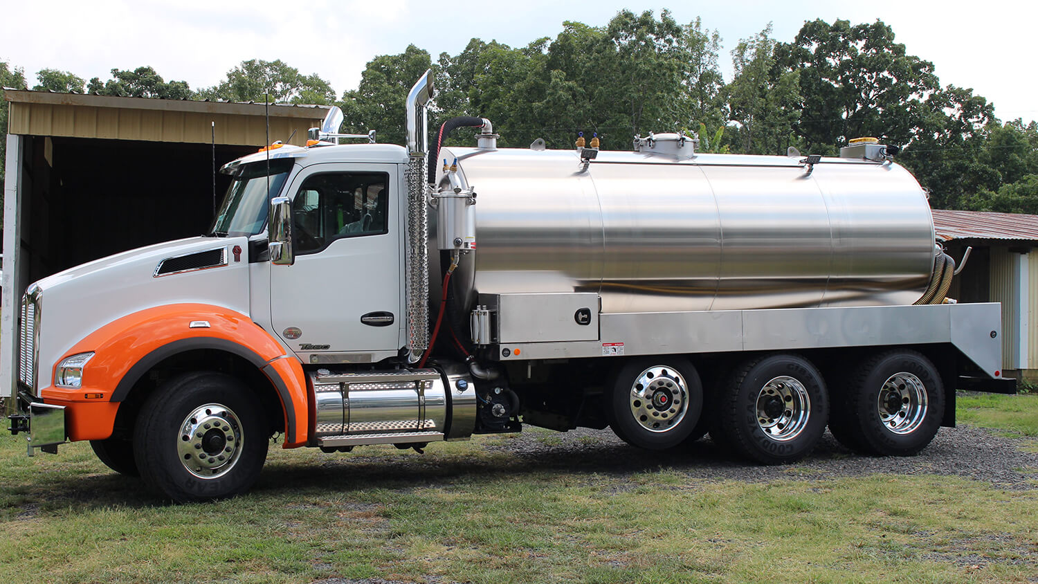 Septic Truck 3600 KW T880 0319