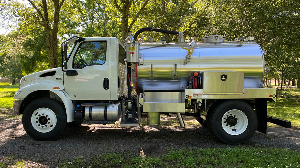 Portable Restroom Pickup and Delivery Truck 26000 GVW
